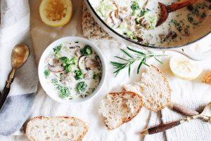سوپ با کلم بروکلی و قارچ