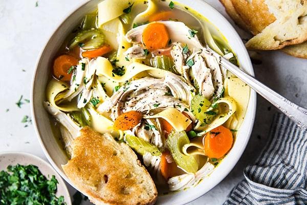 طرز تهیه سوپ ماکارونی با مرغ