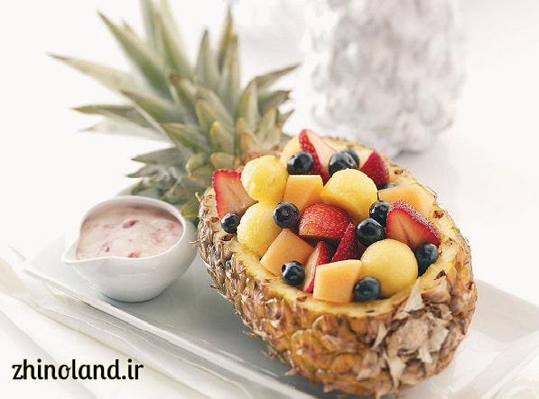 سالاد میوه در آناناس