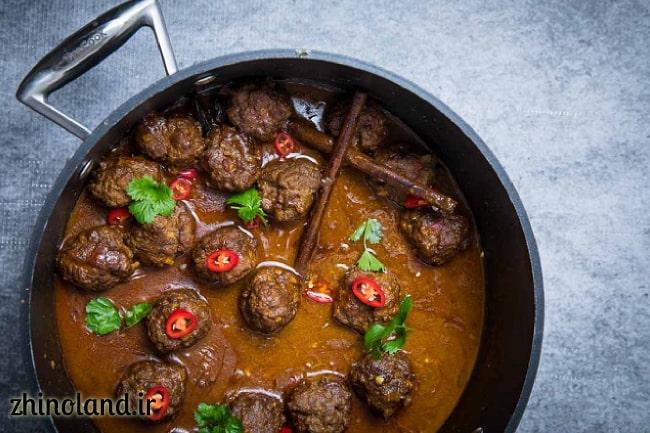 کوفته گوشت با سس گوجه فرنگی