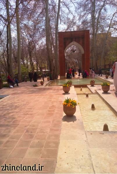 ورودی اصلی باغ ایرانی ده ونک تهران