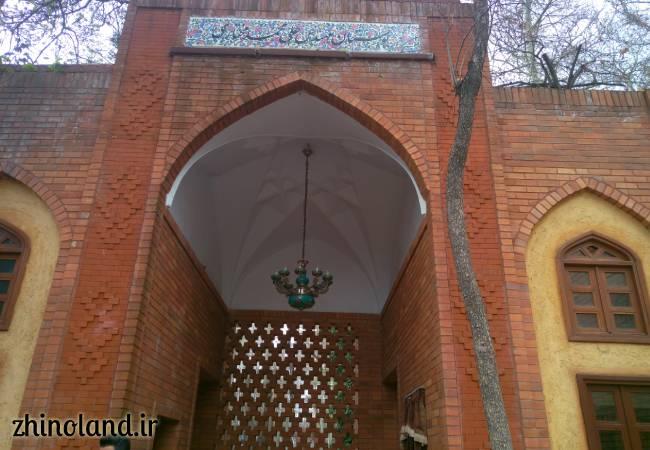 ورودی باغ ایرانی ده ونک