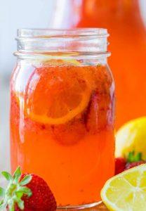 طرز تهیه نوشیدنی لیموناد توت فرنگی